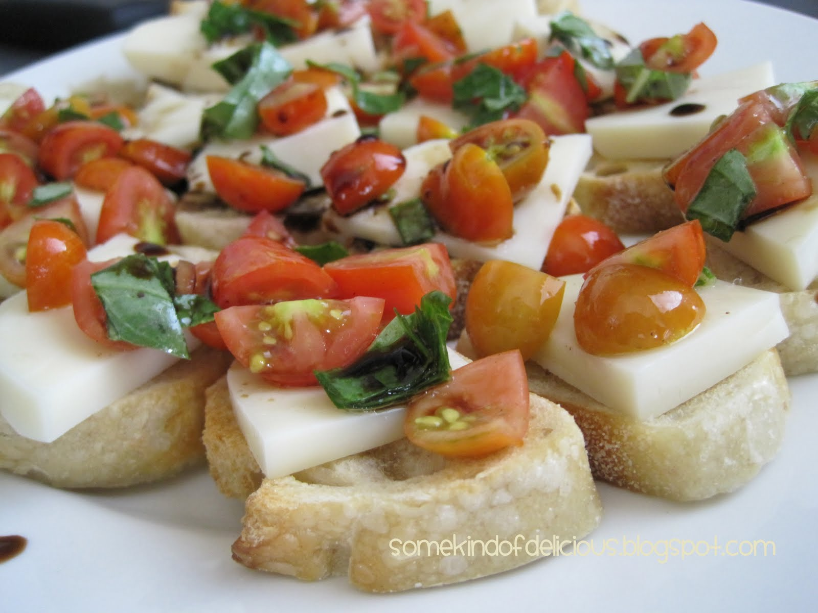 Some Kind of Delicious: FRESH Tomato, Basil, Mozzarella Crostini
