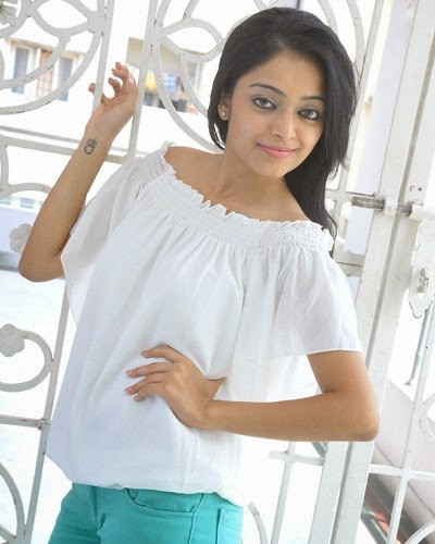 Janani Iyer New Photos and Stills