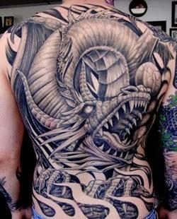 Fotos de Tatuagens de dragão nas costas