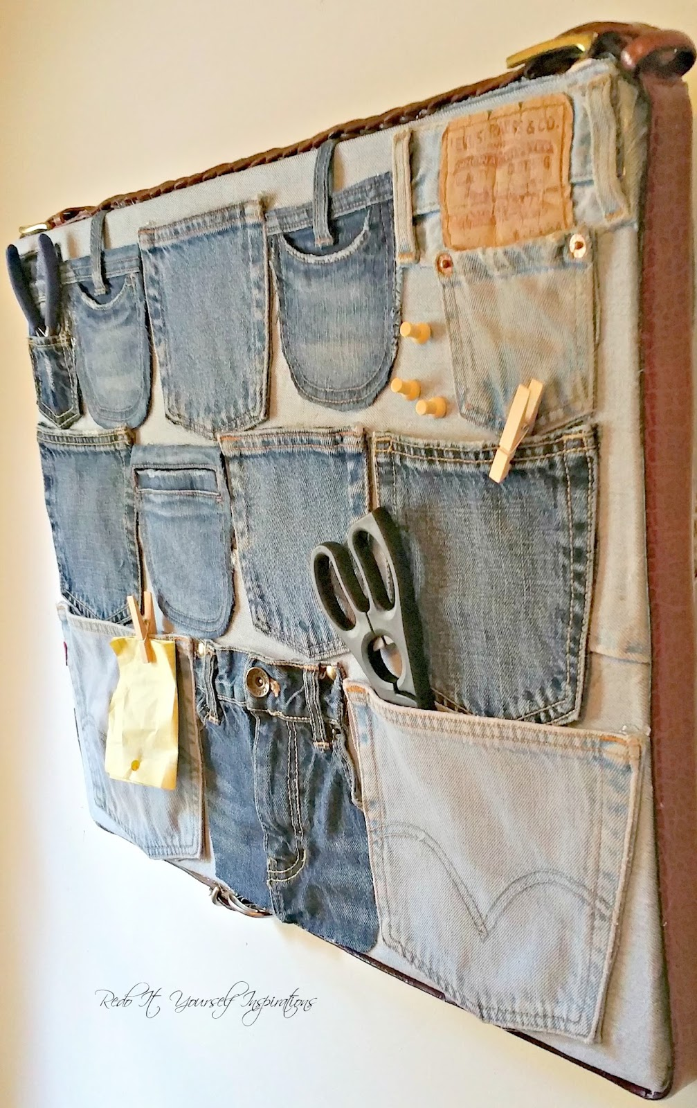 Diy Repurposed Denim Wall Organizer Redo It Yourself Inspirations Diy Repurposed Denim Wall