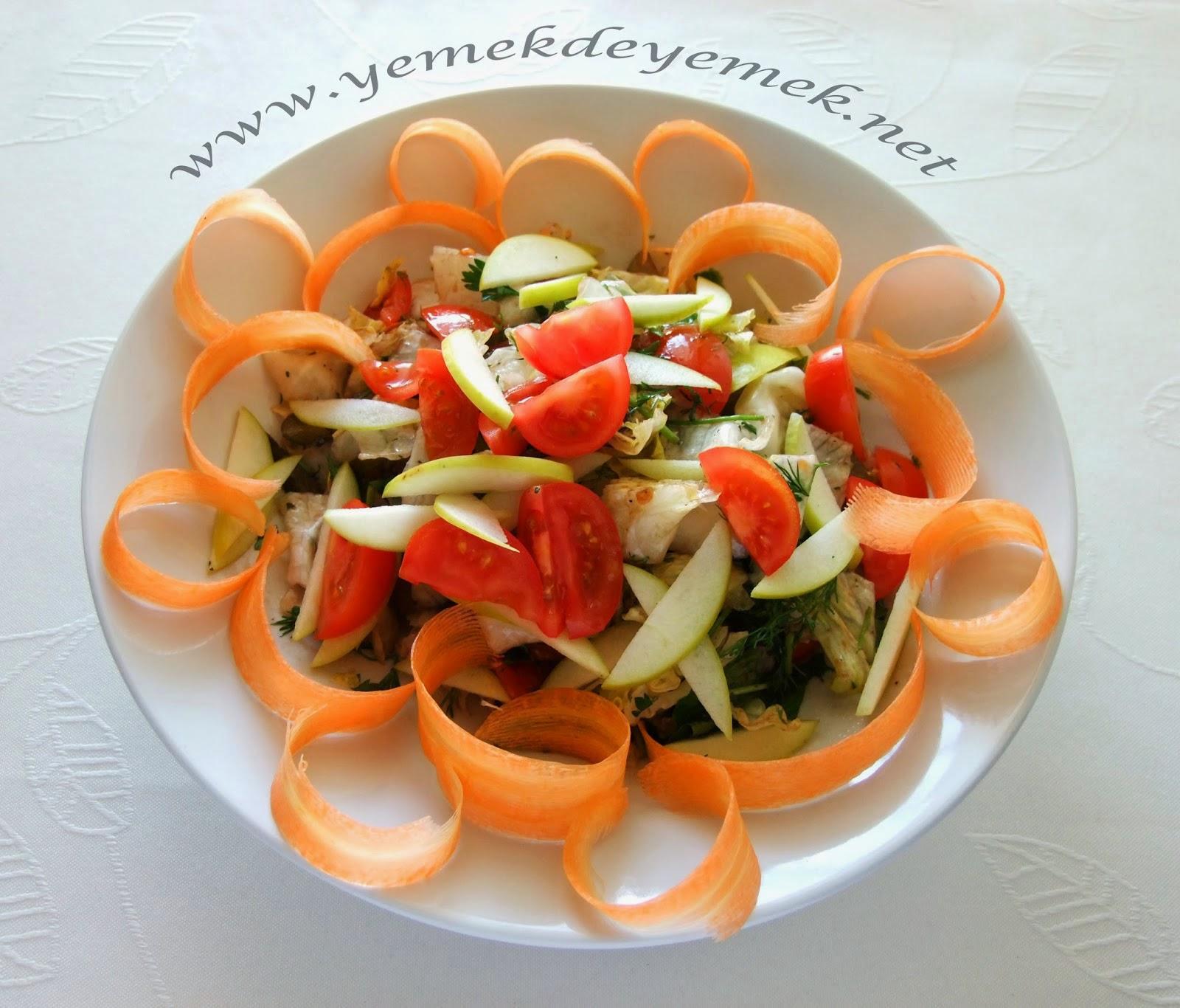 Elmalı Tavuklu Salata