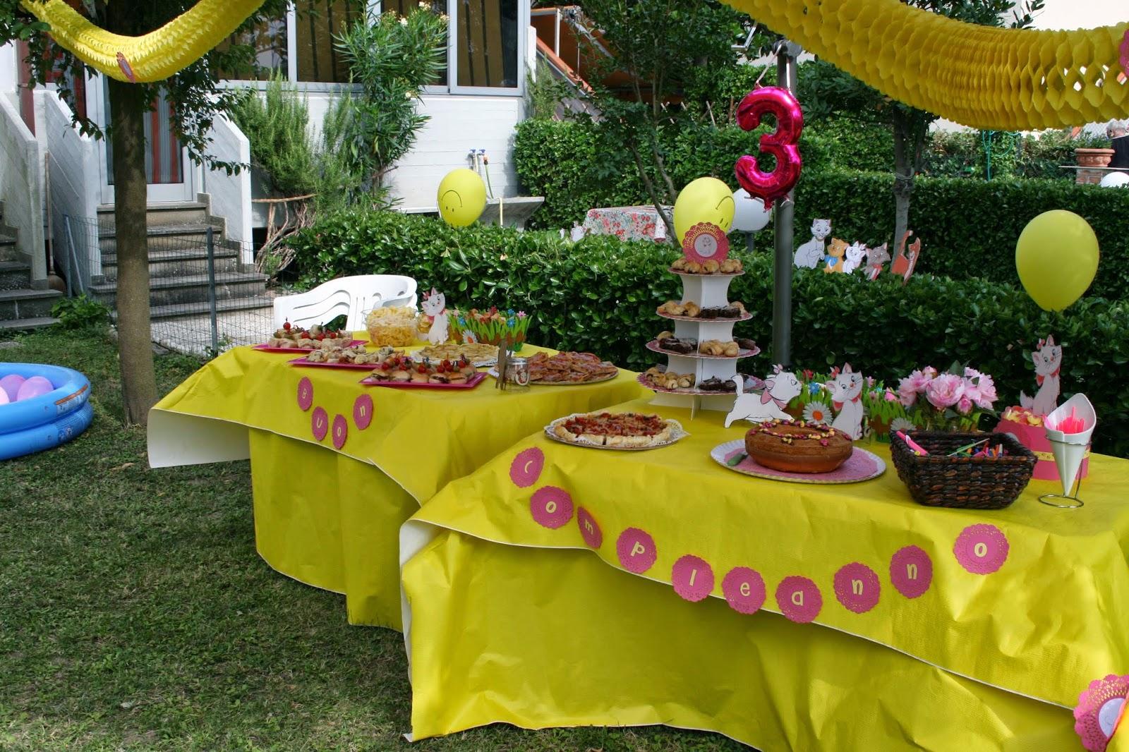 Il giardino delle creazioni il 3 compleanno della principessa tema aristogatti - Allestimento giardino ...