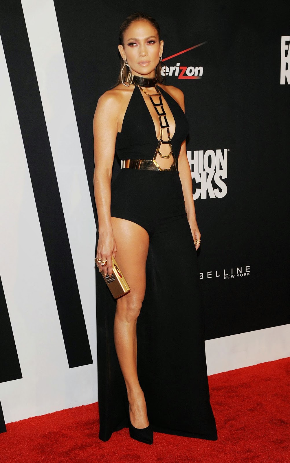 Jennifer Lopez Is Sexy In Atelier Versace At The 2014