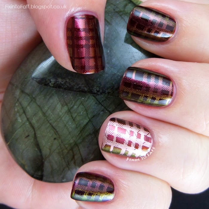 fall autumn appropriate nail art design in burgundy and gold plaid