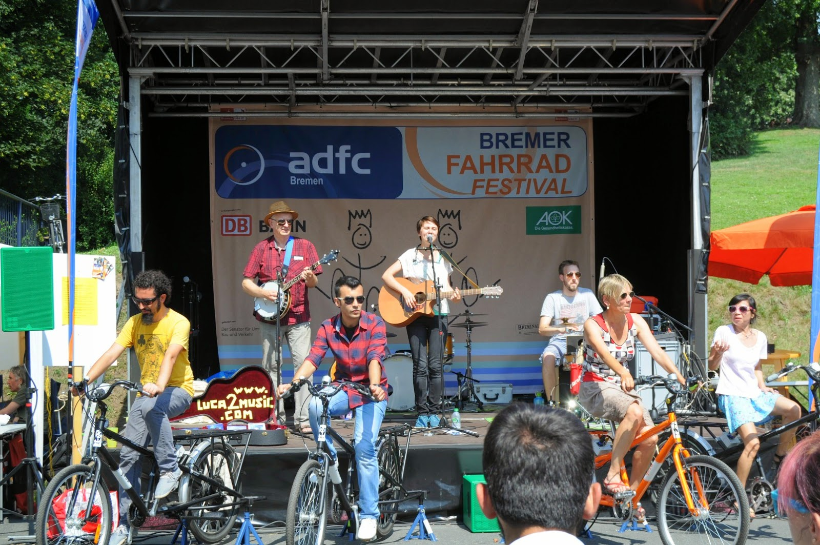 Eco-entertainment (live music) at the Breminale's Bike festival