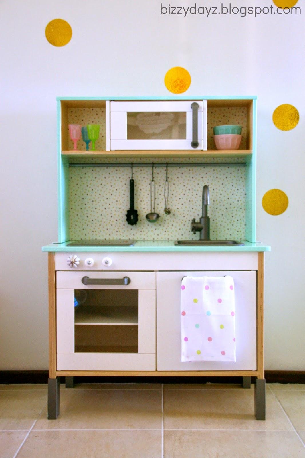 Bizzydayz kids kitchen makeover for Small kids kitchen
