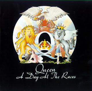 """Capa do disco """"A Day at the Races"""", lançado pelo grupo Queen em 1976."""