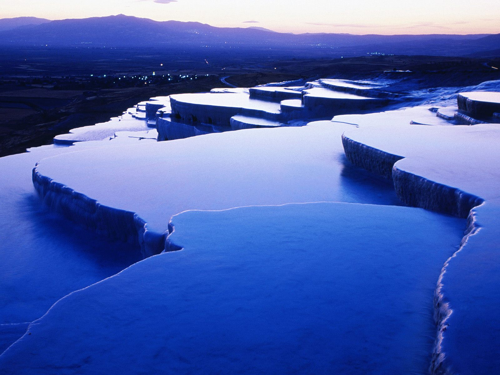 Dreaming traveller natural infinity pool pamukkale for Infinity pool