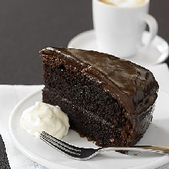 Chocolate Mud Cake With Milk