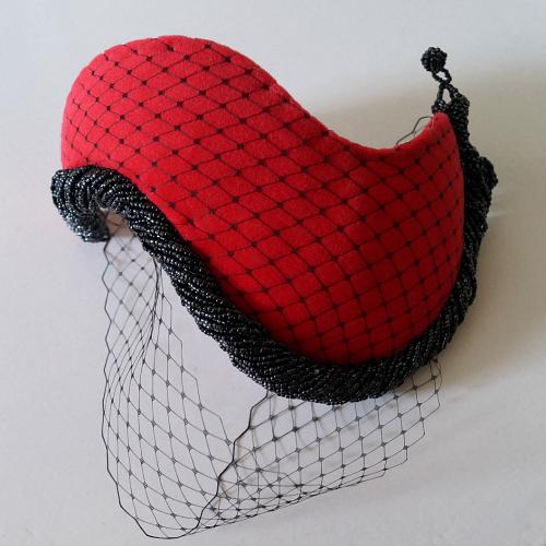 Tanith Rowan: 1950s half hat with velvet, beads and veil