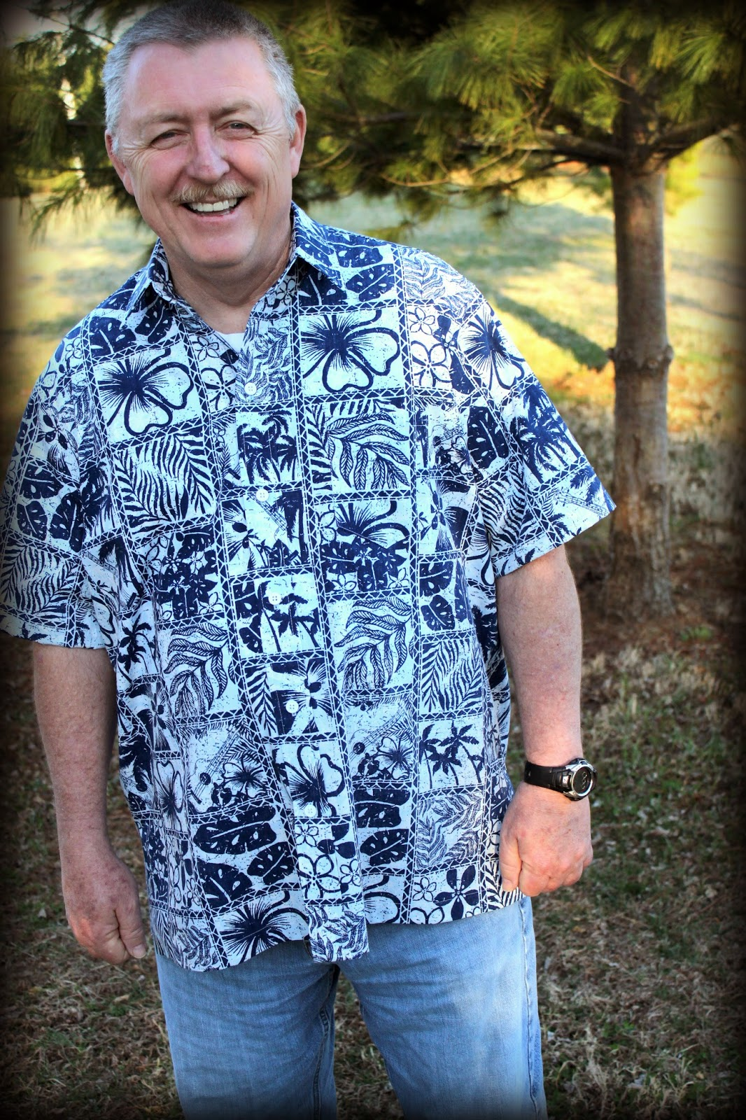 Hawaiian Classics aloha shirt Victoria Jones Collection