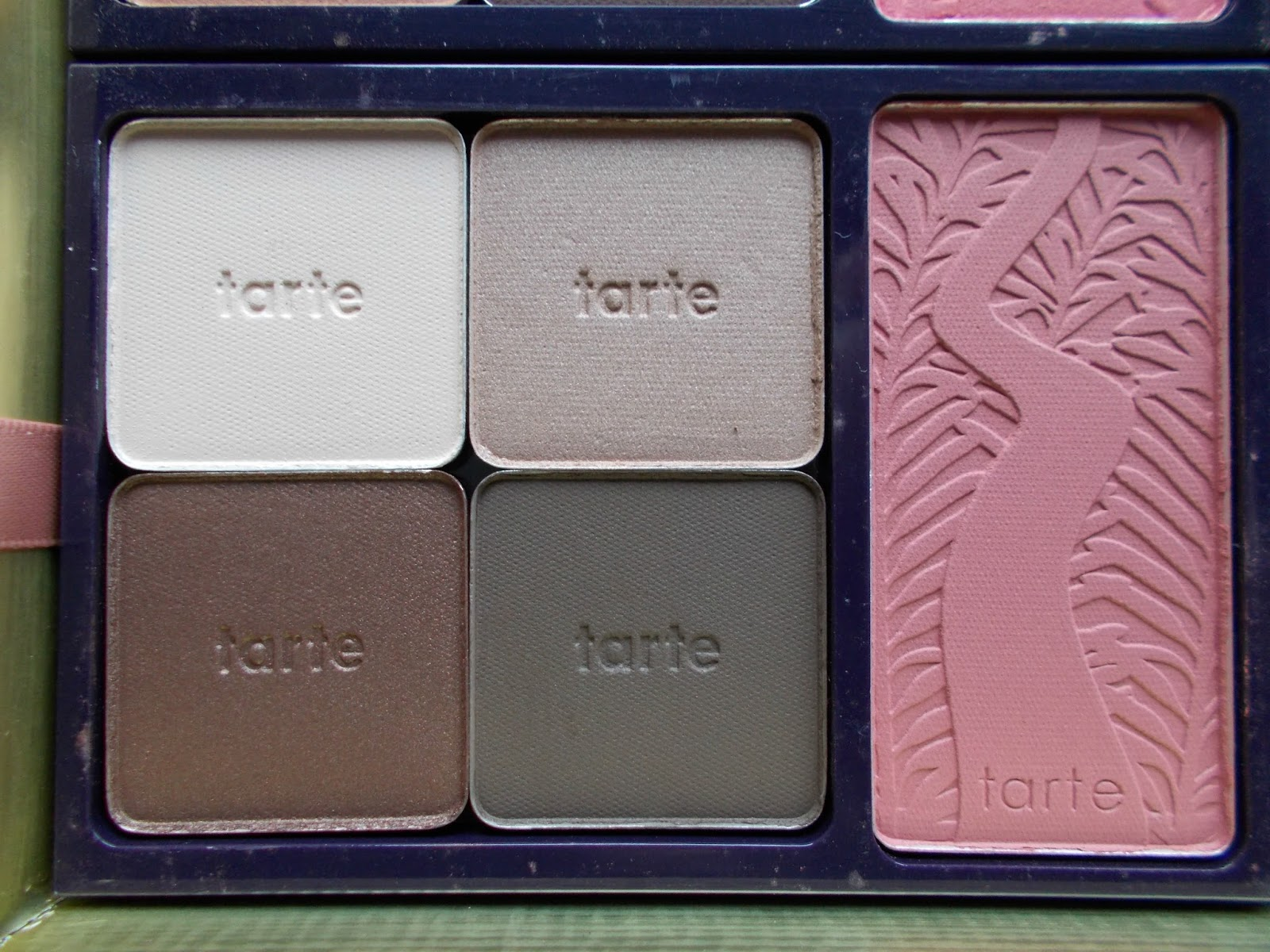 Tarte Holiday Blockbuster Collection cozy blush