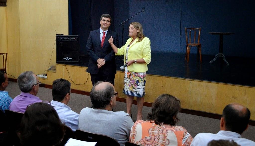 Procuradora geral do Município Rosilda Barbosa com o juiz federal Valter Shuenquener: capacitação para os servidores municipais