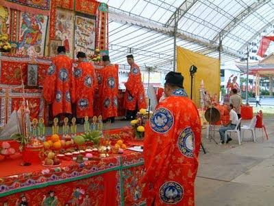 Monjes Festival de los fantasmas hambrientos Singapur