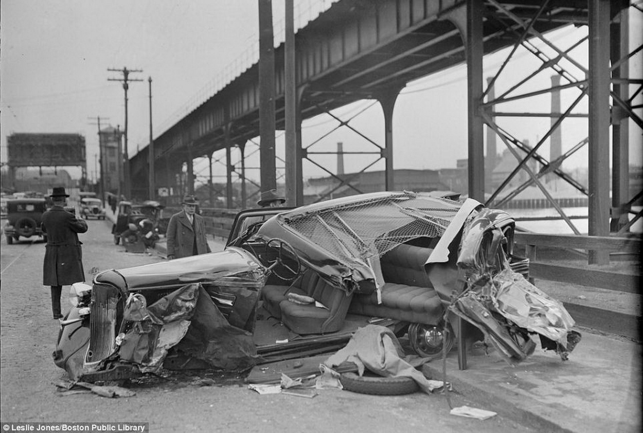 nidokidos] Vintage Car Crashes - Fun and Entertainment
