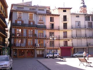 Detalle de manzana en la plaza de España, o del mercado, de Calatayud