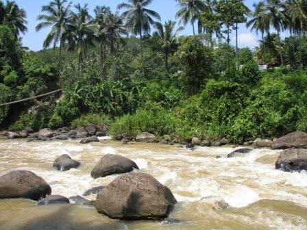 Sungai citarik : tempat wisata di sukabumi yang cocok untuk arum jeram