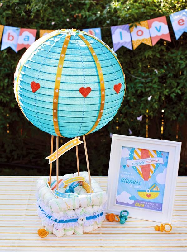 http://blog.hwtm.com/2013/06/hot-air-balloon-diaper-cake-free-printables/