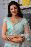 kajal agarwal navel exposing photos in mr perfect
