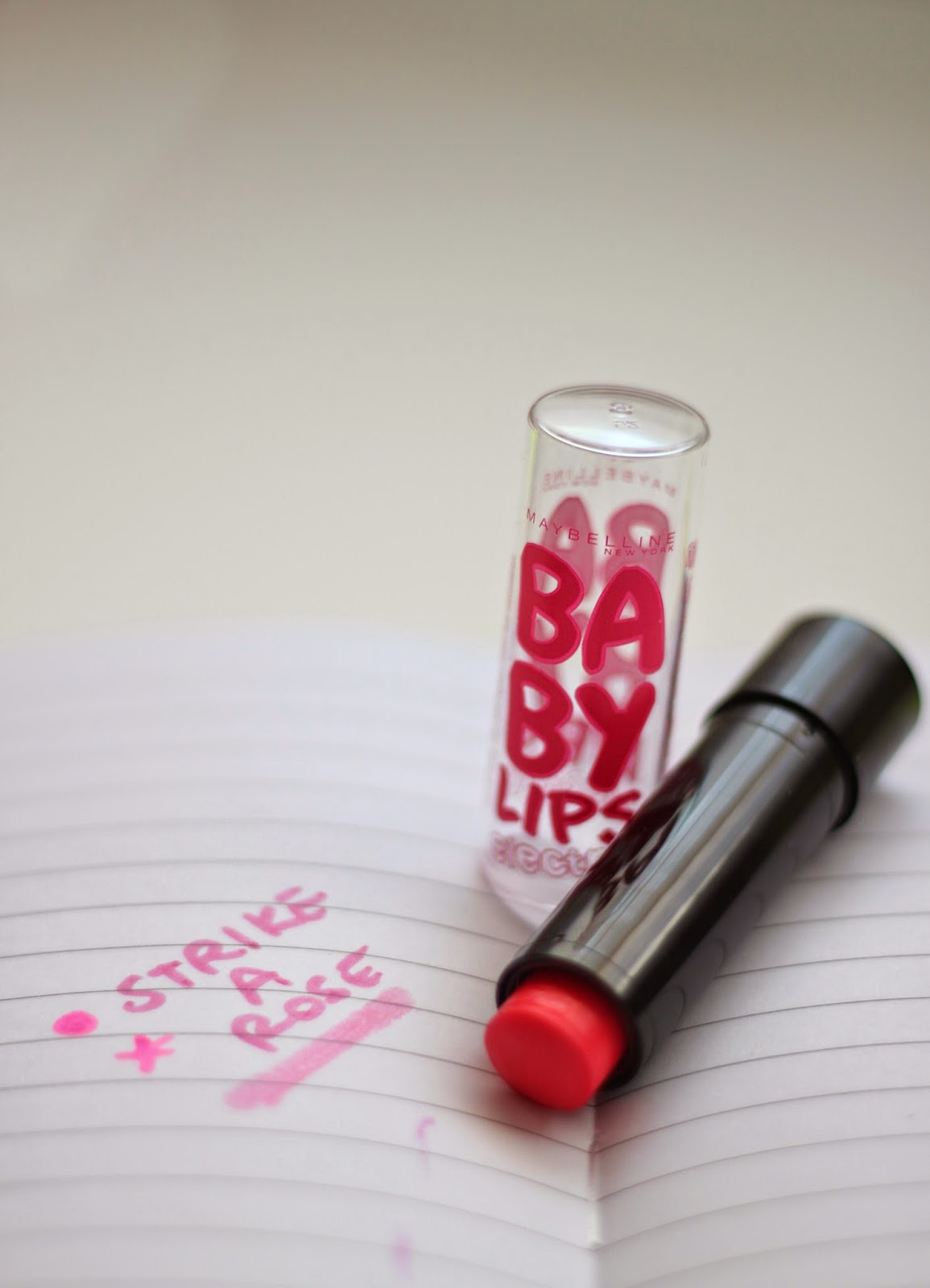 photo-baby_lips-electro-maybelline_ny-strike_a_rose