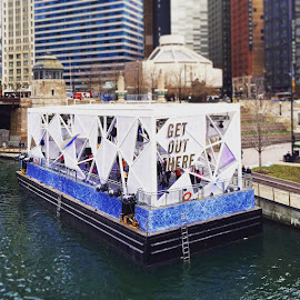 Nike's Pop Up Workout Barge along Chicago's Riverwalk