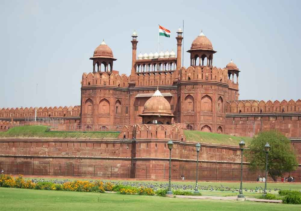 red fort The lal qila or red fort in delhi was built by the great mughal emperor shah jahan the red fort or the lal qila is located in the heart of old delhi and was previously known as.