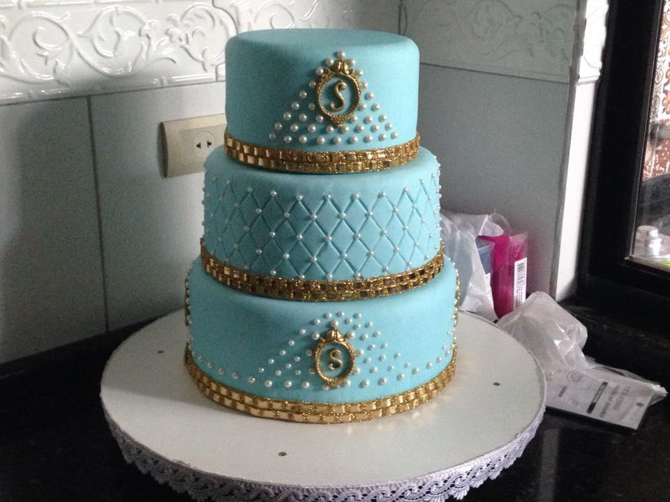 Amado Aprenda a fazer um bolo fake para debutante | Creative DP47