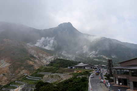 The rising volcanic fumes of Owakudani