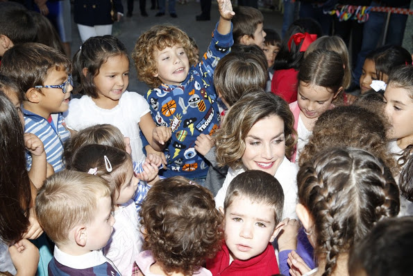 Queen Letizia Visited A Primary School In Palencia