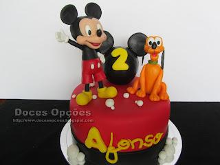O Mickey e o Pluto foram ao aniversário do Afonso