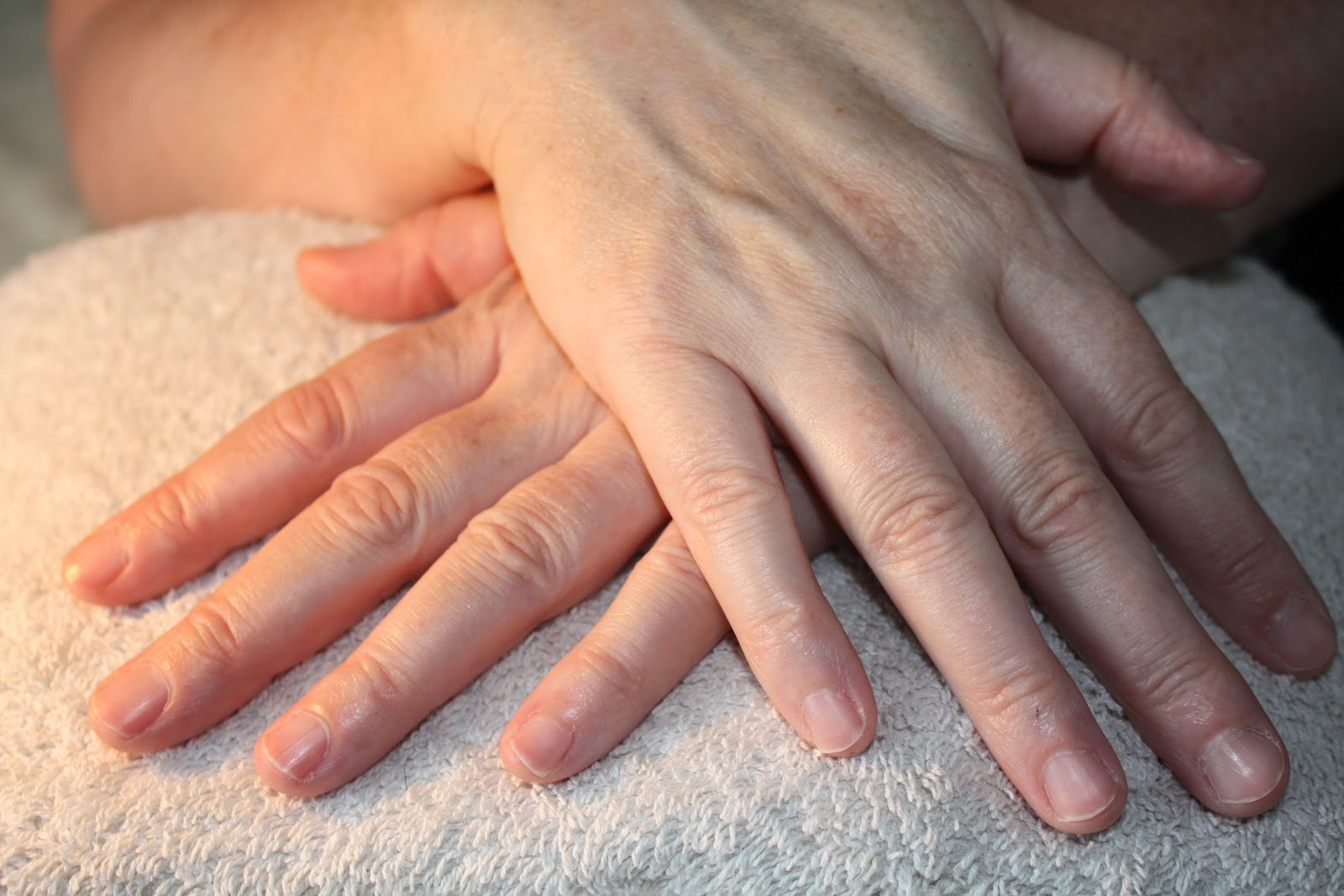 how to become a nail technician trainer