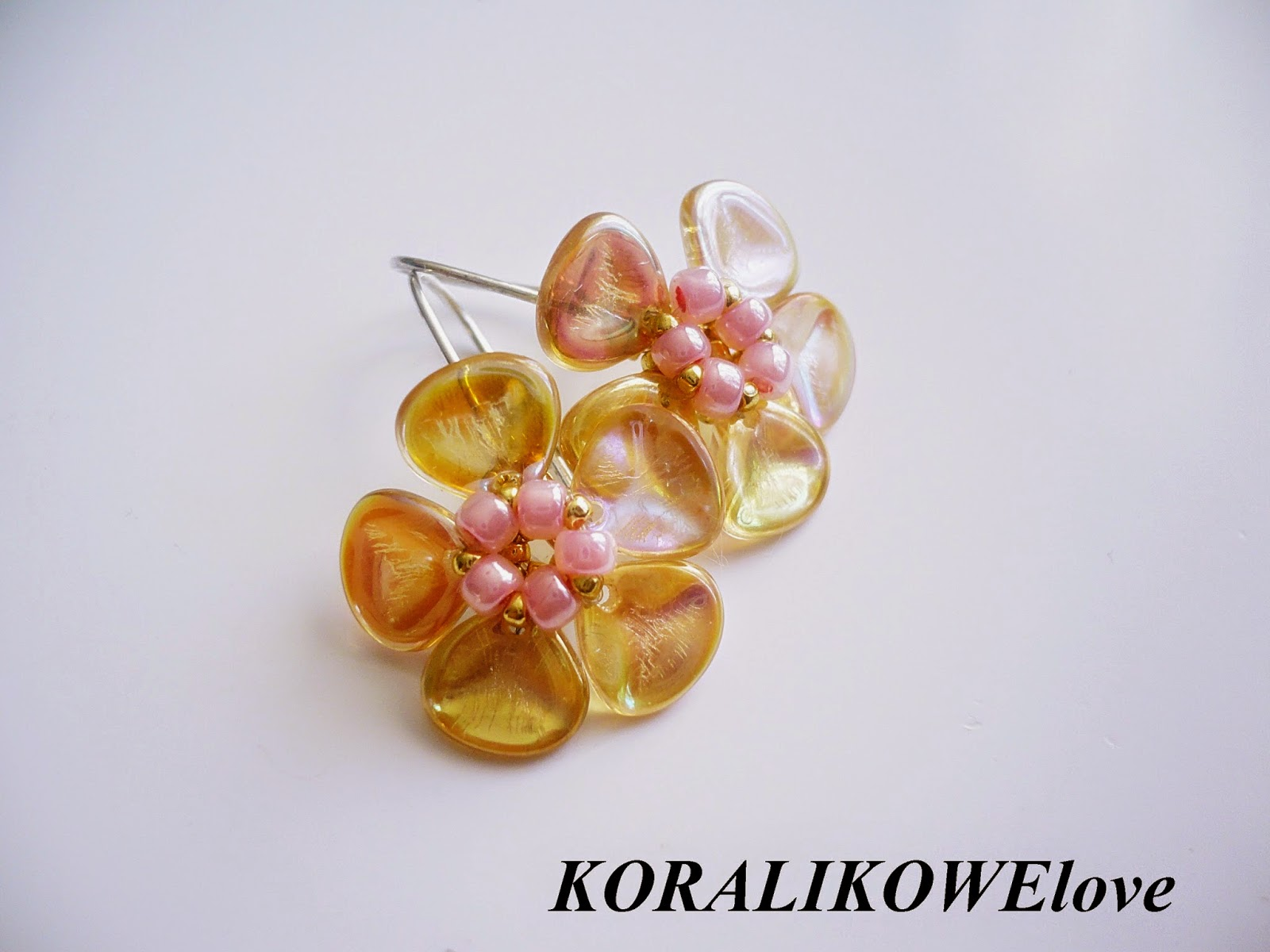 kolczyki,kolczyki kwiatki,kolczyki z koralików, rose petals