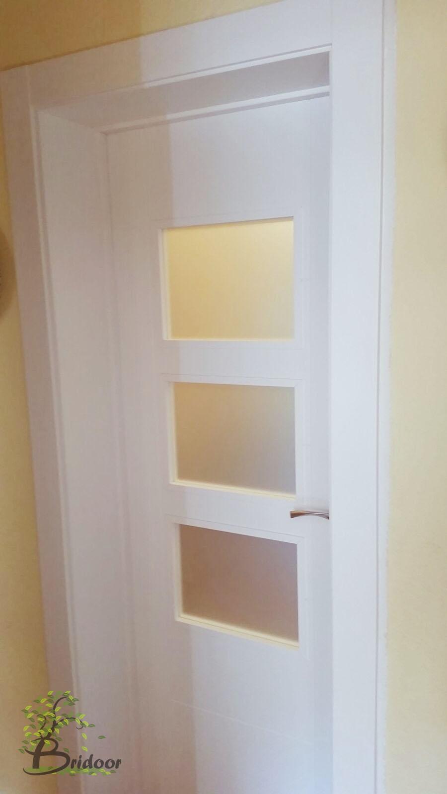 Bridoor s l vivienda lacada paracuellos del jarama for Puertas de cristal para interiores