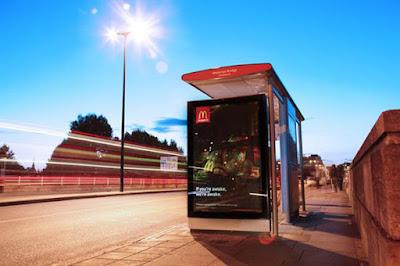 digital signage ciudades, cartelería exterior ciudades, dooh, dooh digital signage, dooh ciudades futuro,