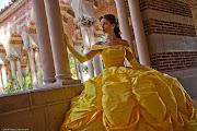 Alguns cosplays da princesa Bella, do clássico a Bela e a Fera da Disney.