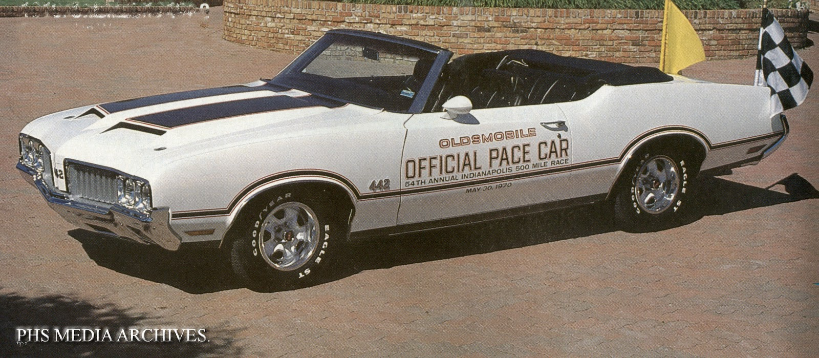 Those of you rebuilding an olds cutlass or 442 rear end will notice that the posi carrier case is slightly different from the chevrolet posi carrier case