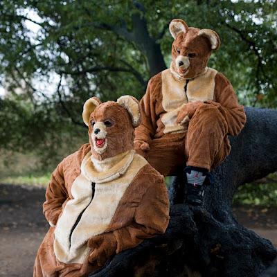 The 2 Bears, Live Show