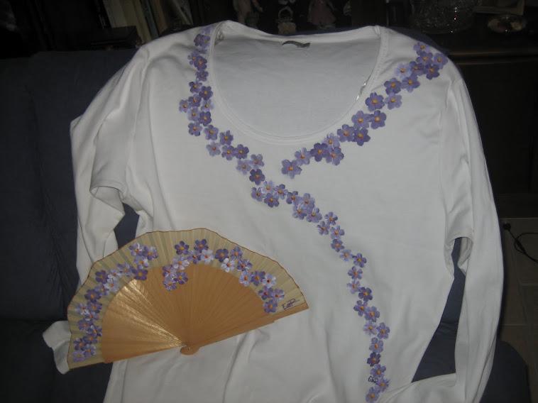 camiseta y abanico