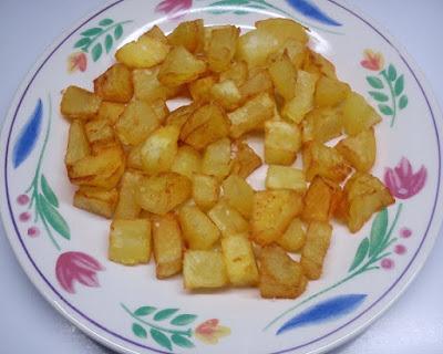 Patatas Fritas en Cudraditos Crujientes para Guarnicion.