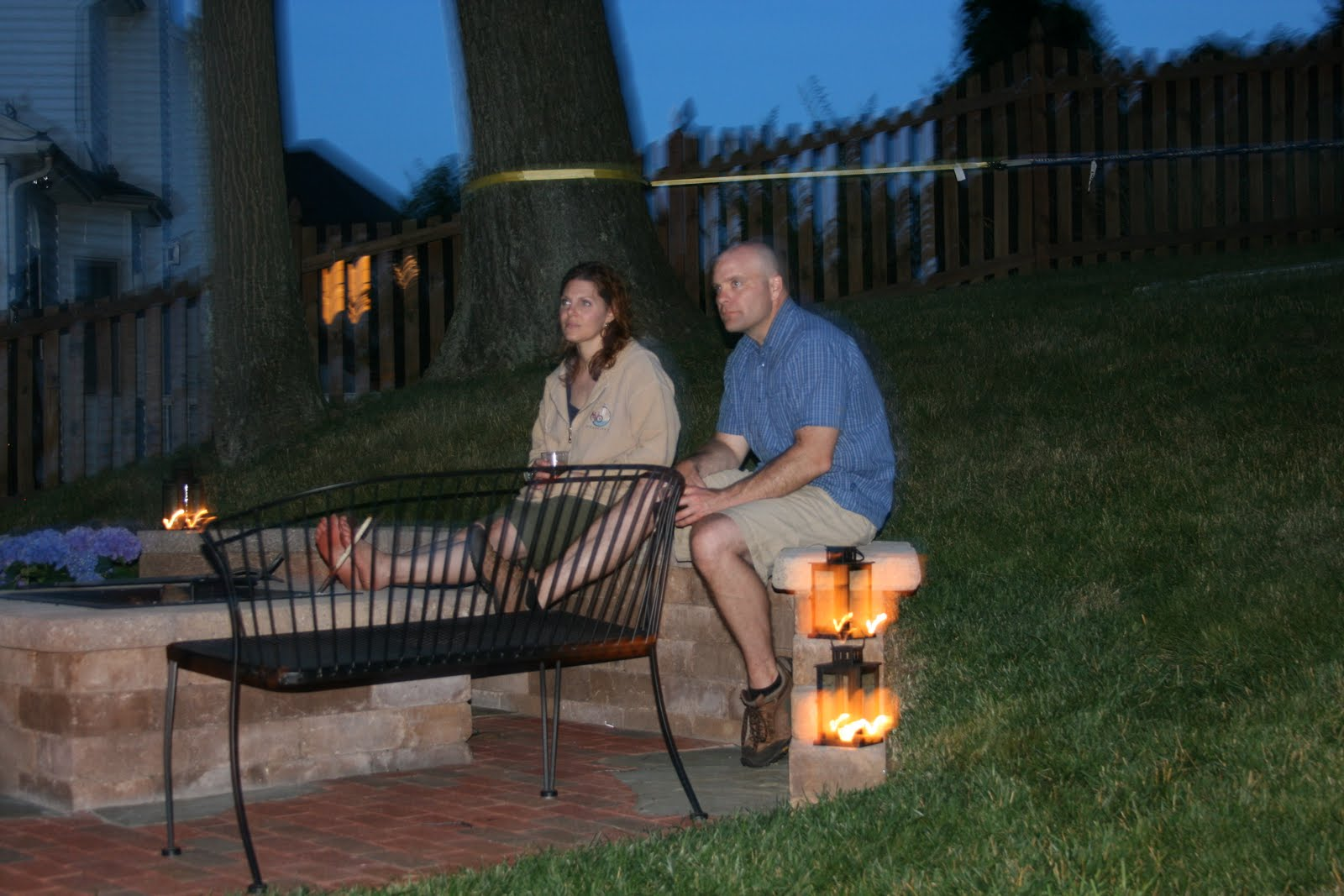 harried mom of four backyard movie night and other summer fun