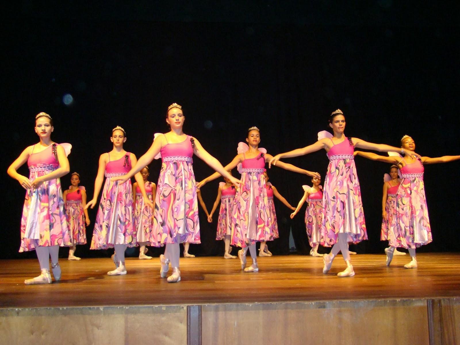 Novas Ideias de Figurinos para Dança Evangélica