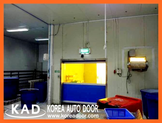 Adapting the yellow anti-insect sheet, high speed doors help maintain clean environment.