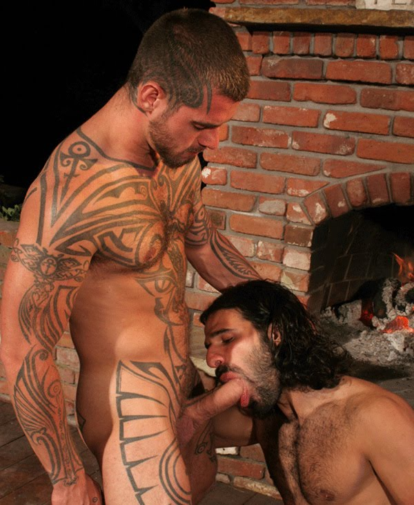 http://1.bp.blogspot.com/-3Y3_GElWxiE/ThvZNhxplII/AAAAAAAAo1k/2zsFWEdD-04/s1600/Hairy-and-Big-Dicked-Studs-2.jpg