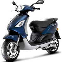 Piaggio Fly 50 4V - midnight blue color