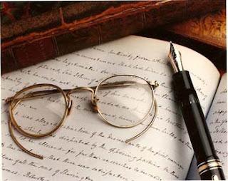 Manfaat #4 - Ketenaran Sebagai Seorang Penulis.