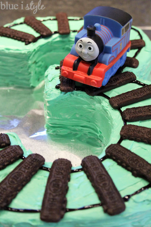entertaining with style Two Super Easy Train Cake Options Blue