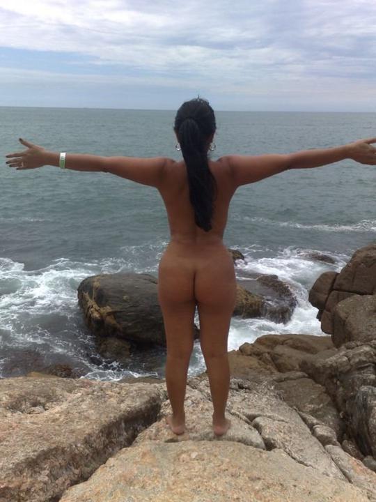 Fotos das safadas do orkut peladas mostrando a bucetinha