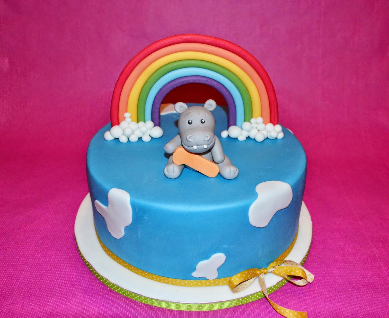 Torten Cupcakes By Sibl Ein Regenbogen Zum 1 Geburtstag