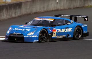 Coche de carreras equipo Nissan Calsonic GTR Super GT