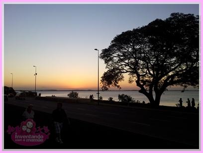Pôr do sol no Iberê Camargo em Porto Alegre.
